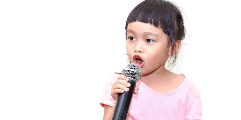 Melatih Anak Berani Tampil di Depan Publik